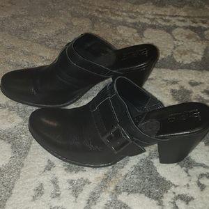 Born/BOC black clogs